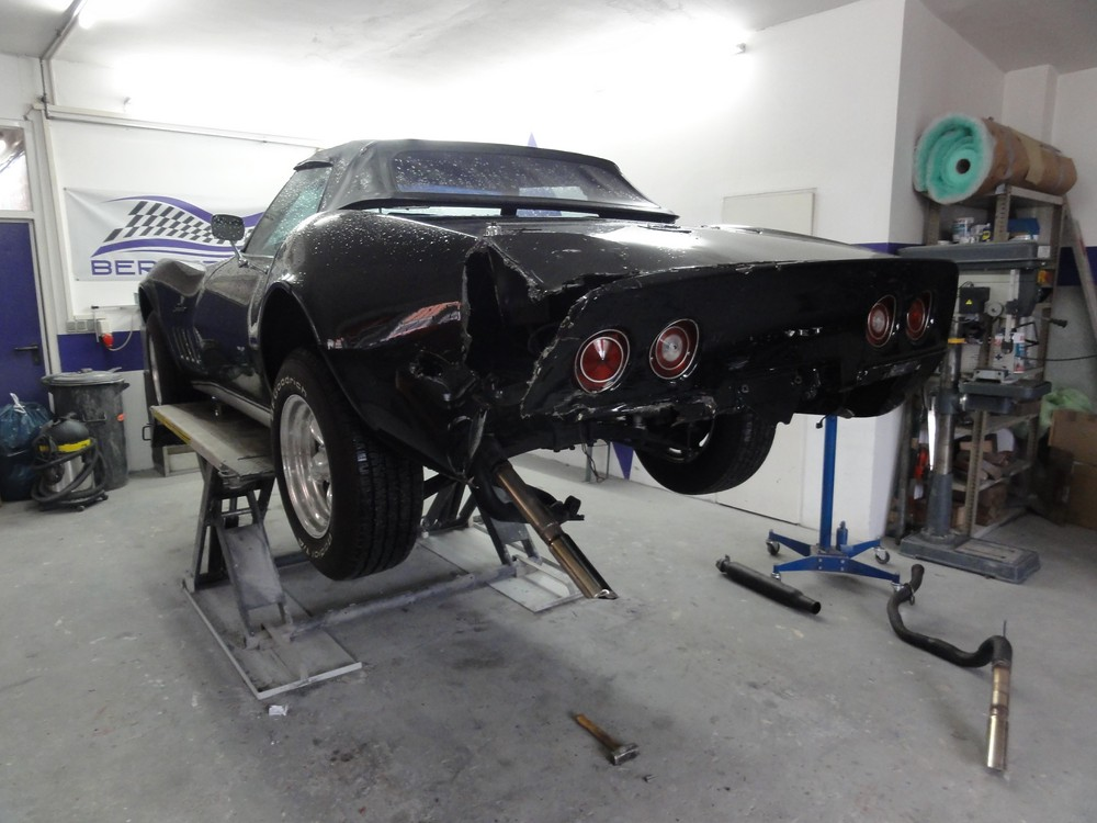 Corvette C 3 – Unfallinstandsetzung beendet